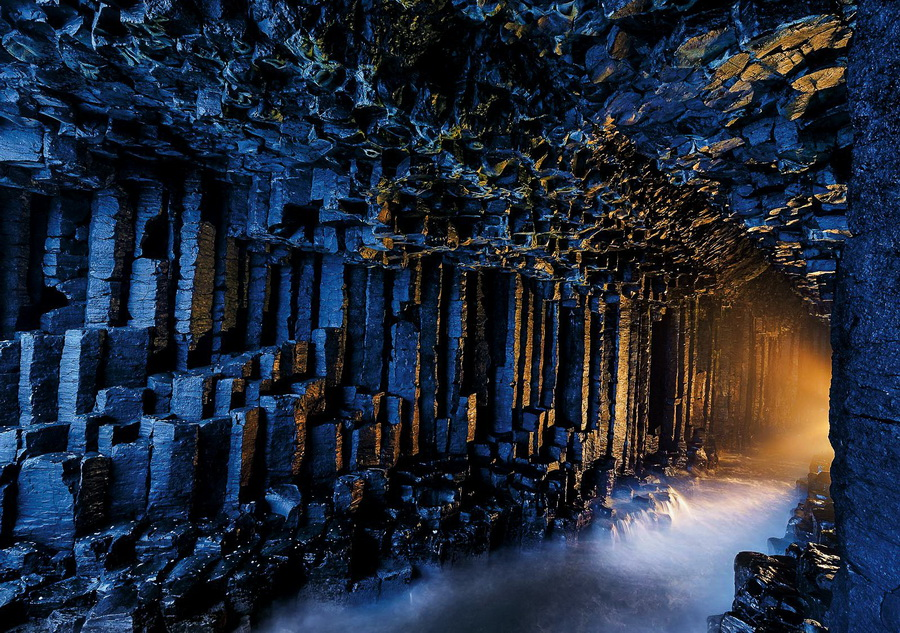 Fingals Cave Staffa, Scotland